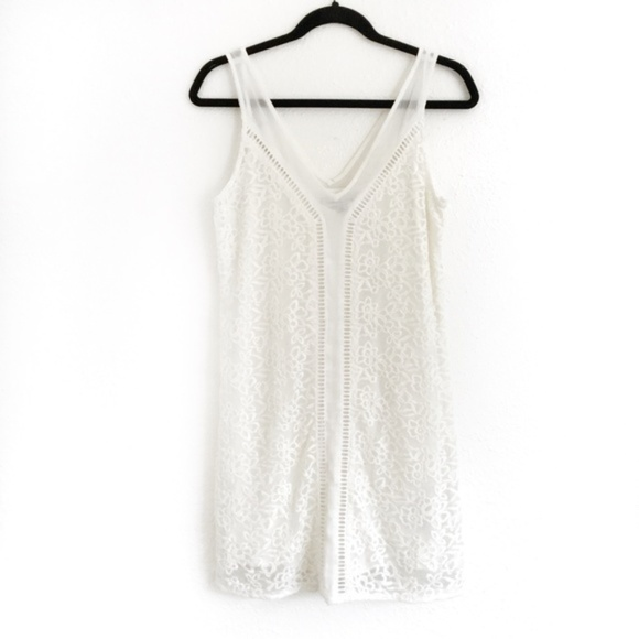 Abercrombie & Fitch Dresses & Skirts - Abercrombie Lace V Neck Dress White Size Small